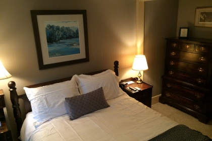 Room at Bed and Breakfast With a Queen Bed